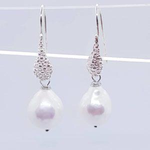 orecchini con perla scaramazza e filigrana Orecchini con perla scaramazza e filigrana cod. 0028 50788735 222517848631861 543817450370629632 n 300x300