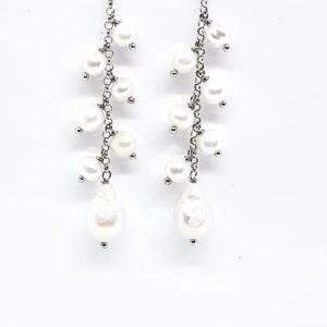 orecchini con grappolo di perle Orecchini con grappolo di perle di fiume e perla scaramazza 66645237 276108666576951 4424714525685579776 n 300x300