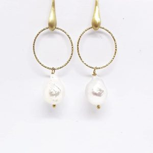orecchini con perle scaramazze Orecchini a cerchio con perle Scaramazze 66824419 2358380981147669 2435430384511483904 n 300x300