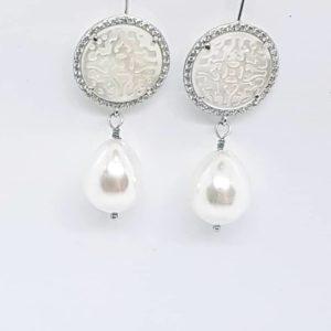 orecchini madreperla perla majorca Orecchini con Madreperla e con Perla di Majorca 66844087 355000351857005 8450243048440332288 n 300x300