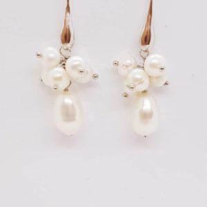 orecchini con grappoli di perle Orecchini con grappoli di perle di fiume 67409768 479755252569135 9175452807560429568 n 300x300