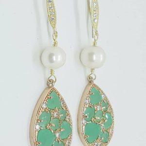 orecchini con perla e cristalli swarovski Orecchini con perle di fiume e con cristalli Swarovski 78826509 714929152364955 6170494847472893952 n 300x300