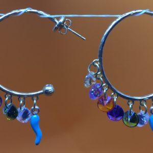 collana girocollo con lapislazzuli e con perle di fiume naturali Orecchini con Cerchi e con Swarovski IMG E2608 300x300