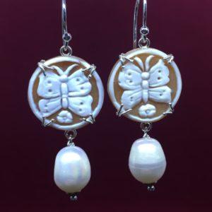 collana girocollo con lapislazzuli e con perle di fiume naturali Orecchini con Cammeo e con Perle di Fiume Naturali IMG E2818 300x300