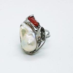 anello in argento con corallo e con perle scaramazze Anello in argento con corallo e con perle scaramazze 72482289 687034991785449 2223249246218354688 n 300x300