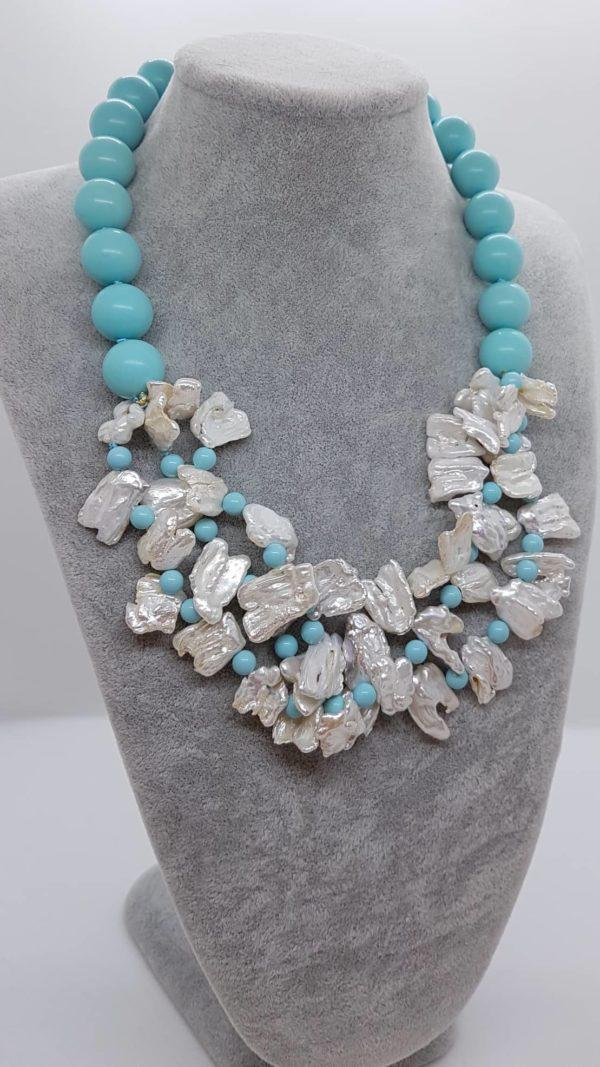 Collana con perle naturali e con perle di turchese