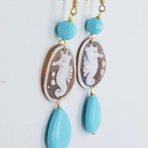 Orecchini con cammeo e perle di pasta di turchese orecchini con cammeo Orecchini con cammeo e perle di pasta di turchese 0173 300x300
