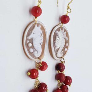 Orecchini con cammeo e con perle di agata rossa orecchini con cammeo Orecchini con cammeo e con perle di agata rossa 0177 300x300