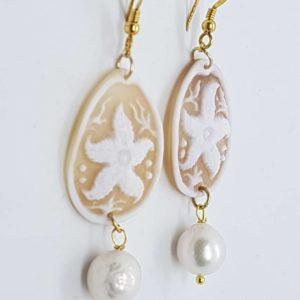Orecchini con cammeo e con perle di fiume coltivate orecchini con cammeo Orecchini con cammeo e con perle di fiume coltivate 0179 300x300