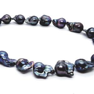 Collana girocollo con perle scaramazze nere  Collana girocollo con perle scaramazze nere 180 300x300