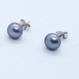 Orecchini a lobo in argento con perla coltivata grigia orecchini a lobo Orecchini a lobo in argento con perla coltivata grigia 4