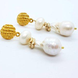 Orecchini con perle coltivate e con perle scaramazze orecchini con perle Orecchini con perle coltivate e con perle scaramazze 59704089 310579653199393 8413760449471840256 n 300x300