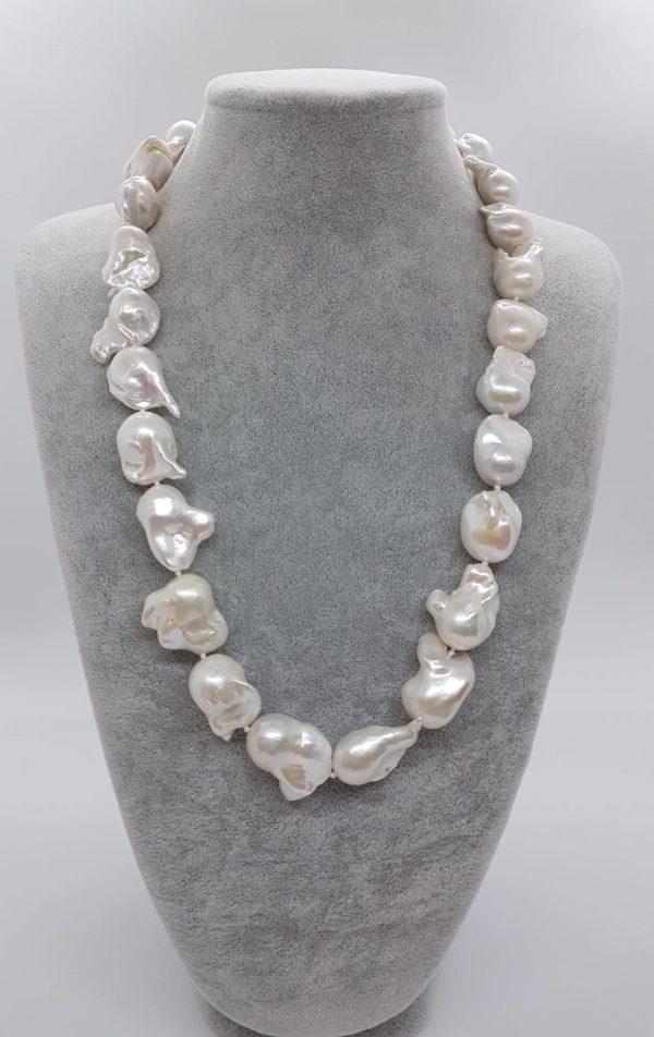 Collana con perle scaramazze barocche
