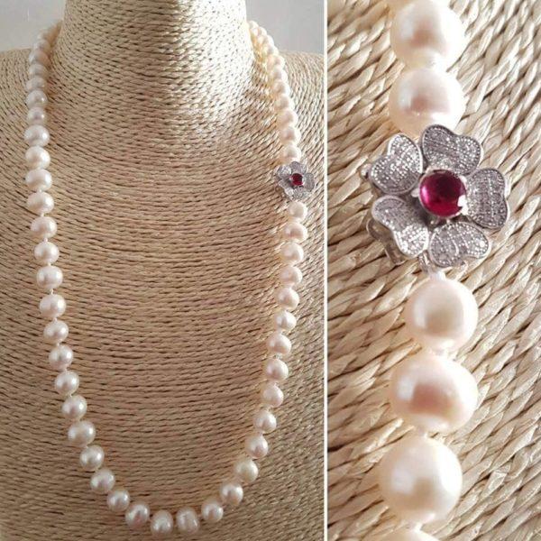 Collana con perle naturali e radice di rubino