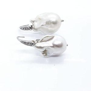 orecchini con perle scaramazze Orecchino con perla scaramazza da 13,5mm 66847779 351316408866081 439236336742825984 n 300x300