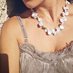 collana con perle Collana con perle Keshi 70424368 591406054597732 4135011375183298560 n 300x300