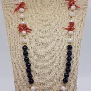 collana con perle Collana con perle naturali e onice e con corallo naturale 78048596 760616064406731 1373365300984020992 n 300x300