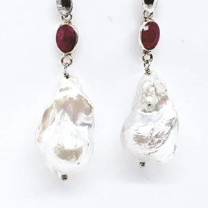 orecchini con perla Orecchini con perla barocca e con radice di rubino 66696867 1758273414316060 5518405137040670720 n 300x300
