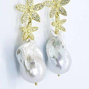 Orecchini con perle scaramazze Orecchini con perle scaramazze 67221633 471042693684545 8770016068140793856 n 300x300