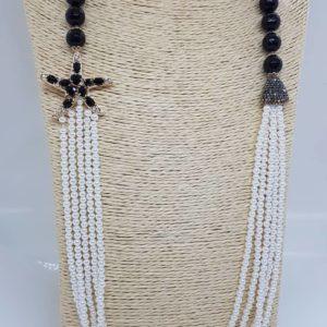 Collana lunga a 5 fili con perle di Majorca e onice nera Collana lunga a 5 fili con perle di Majorca e onice nera 68803454 528514057691251 1811878433953677312 n 300x300