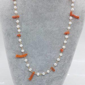 Collana lunga con corallo di Sciacca e con perle di fiume coltivate Collana lunga con corallo di Sciacca e con perle di fiume coltivate 69010793 729181007519681 5330522166339305472 n 300x300