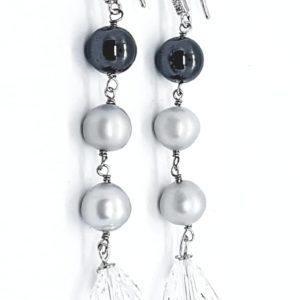 orecchini perle di fiume grigie e swarovski Orecchini con perle di fiume grigie e cristalli Swarovski 79260672 564158904373154 6069025472010780672 n 300x300