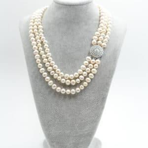 collana lunga con pietre di giada verde tiffany e ematite dorata e con cristalli turchesi Collana classica a tre fili di perle DSC04792 300x300