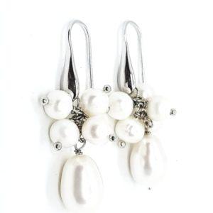 orecchini con grappoli di perle Orecchini con grappoli di perle di fiume 77316595 567284820714565 6090401807710814208 n 300x300