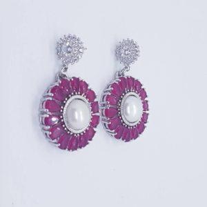 orecchini con cammeo bianco e con perla barocca Orecchini con perle di fiume e radici di rubino o turchese 78108320 579858762573026 7294920652820054016 n 300x300