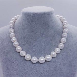 collana a girocollo con perle scaramazze Collana a girocollo con perle scaramazze 83238343 538187026797204 4479003595206819840 n 300x300