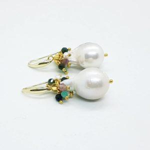 orecchini con perle scaramazze e pietre naturali Orecchini con perle scaramazze e pietre naturali 83517929 604669796994159 725237023572492288 n 300x300