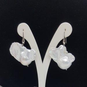 orecchini in argento e perle scaramazze