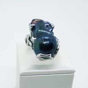 anello Gaia argento perla scaramazza nera