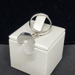 anello in argento con cuori pendenti