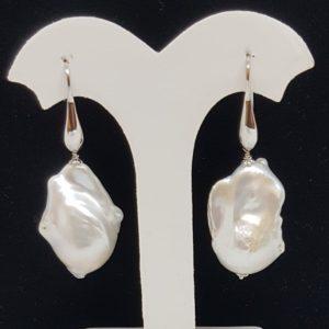 orecchino con perle scaramazze